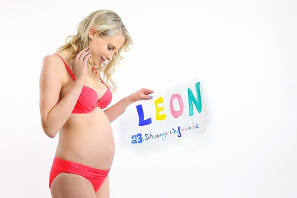 Elischeba spürt erste Babybewegungen