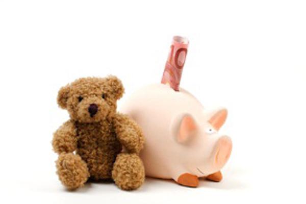Teddybaer-mit-Sparschwein