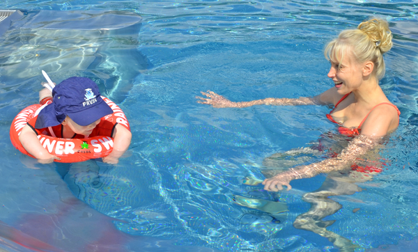 leon pool outdoor