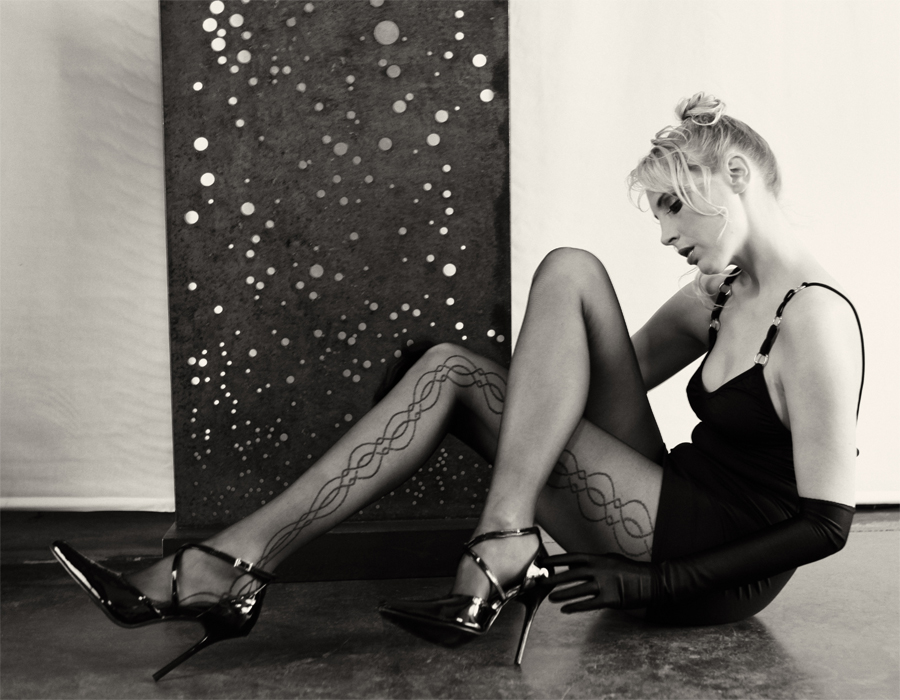 elischeba in nylons und high heels sw