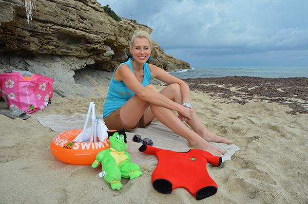 elischeba am strand auf mallorca