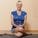 elischeba beim yoga in nierstein