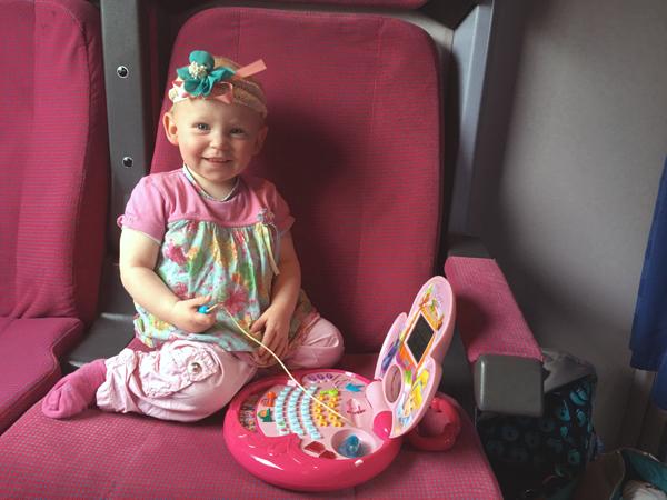 Emily im Zug
