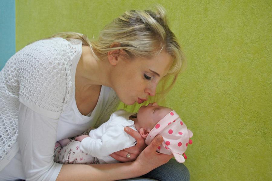 Elischeba mit Baby Emily
