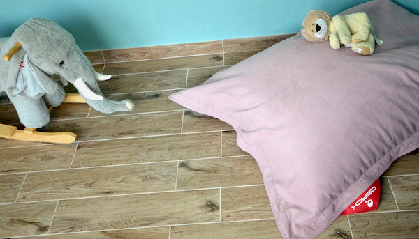 rosa Kissen Kinderzimmer