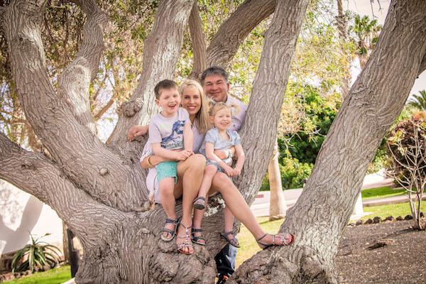 Familie Wilde im Baum