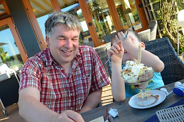 Vater und Sohn in Gronau