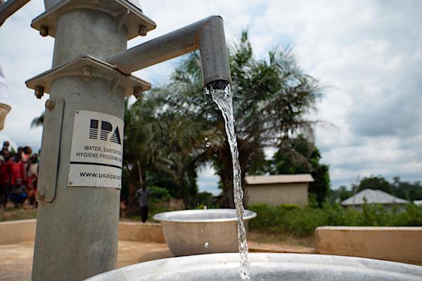 Brunnen für Kinder von World Vision