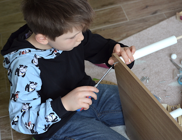 Puppenhaus aufbauen